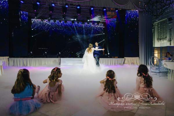 Постановка свадебного танца 50 оттенков белого