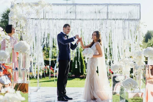 Свадебная церемония 50 оттенков белого в Летнем дворце