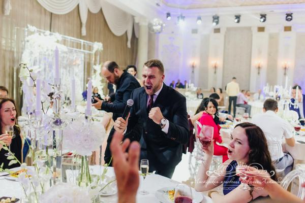 Свадебный ведущий Блинов 50 оттенков белого