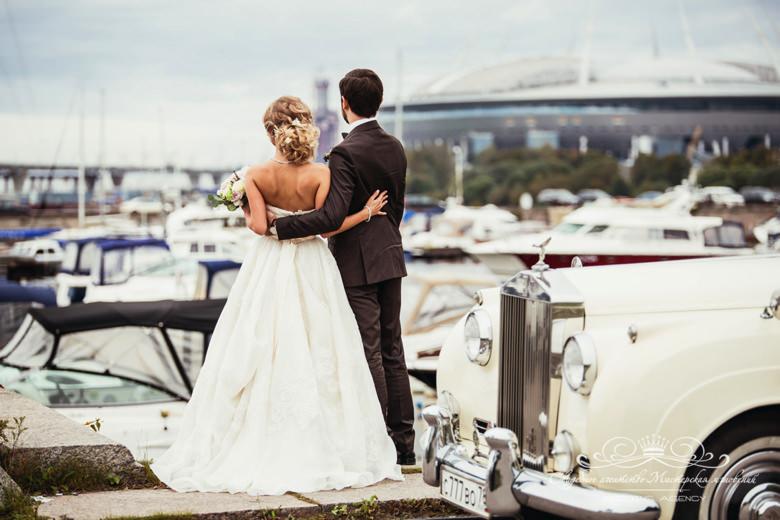 Аренда автомобиля на свадьбу dolce&gabbana