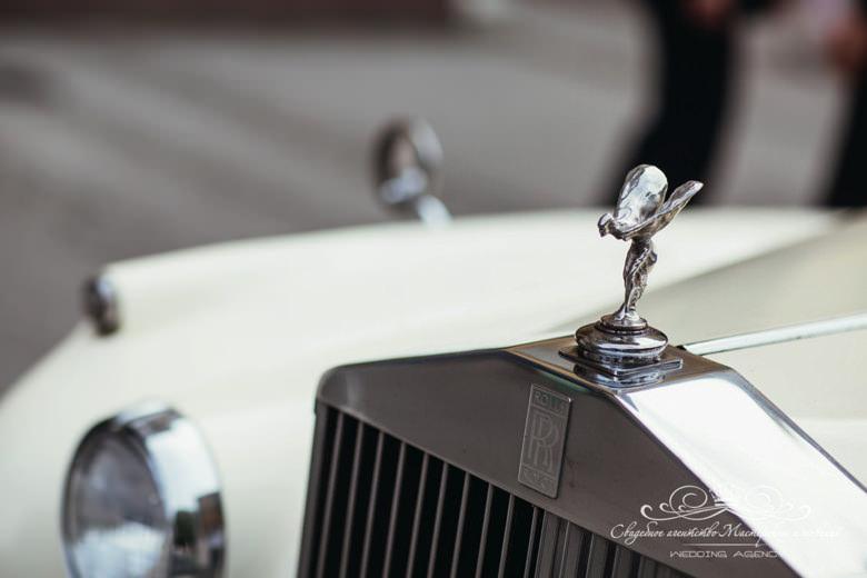 Автомобиль на свадьбу долче габбана