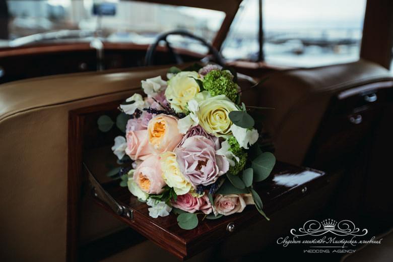 Букет невесты на свадьбу долче габанна