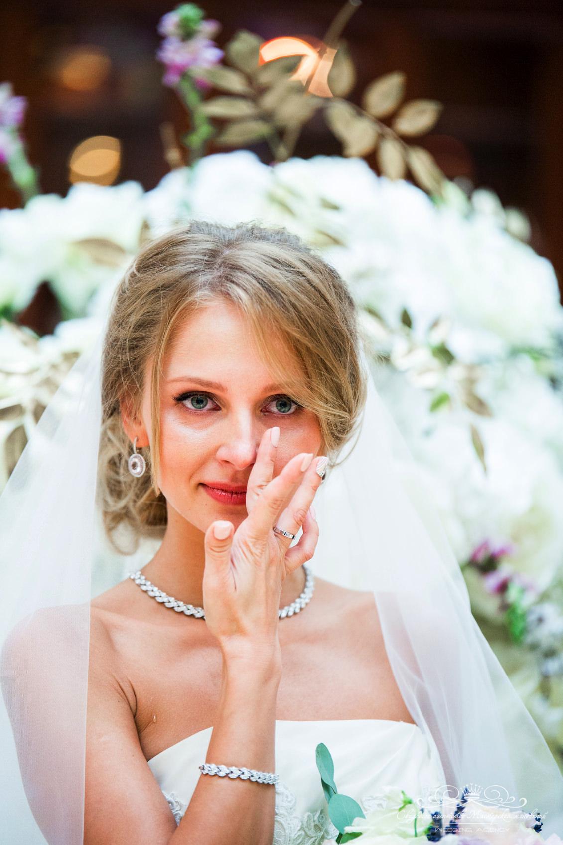 Эмоции невесты на свадьбе dolce&gabbana