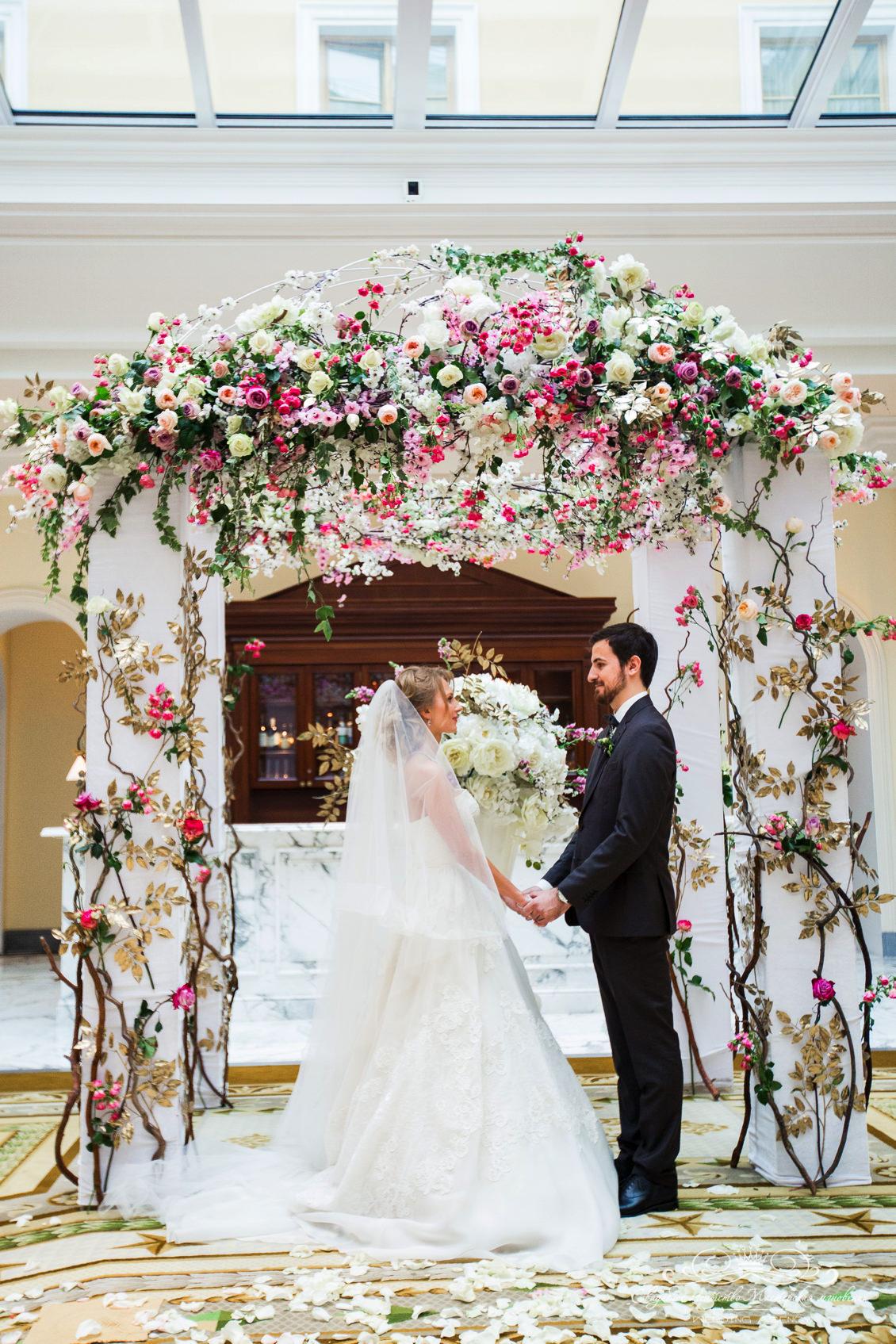 Свадебна арка dolce&gabbana