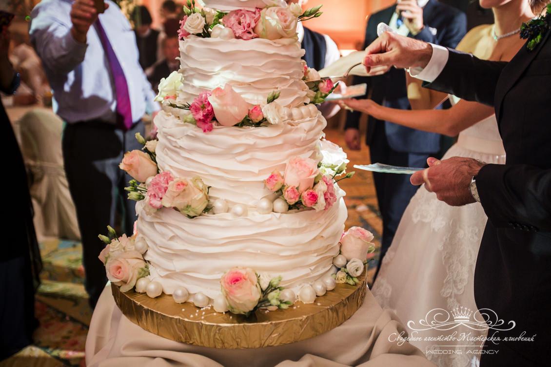 свадебный торт dolce&gabbana