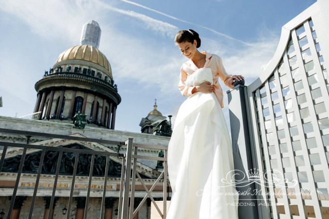 Платье невесты в отеле Скандинавия