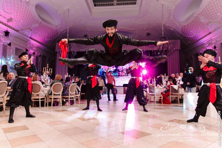 Национальный грузинский танец