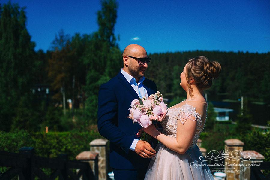 Встреча жениха и невесты в Давинчи парк