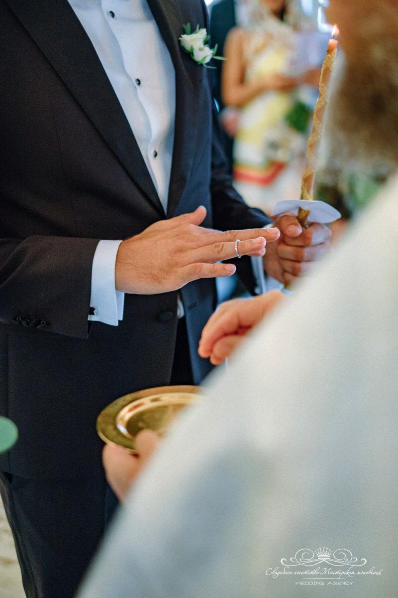 Надвратная церковь венчание