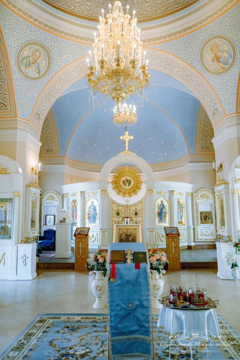 Надвратная церковь спб