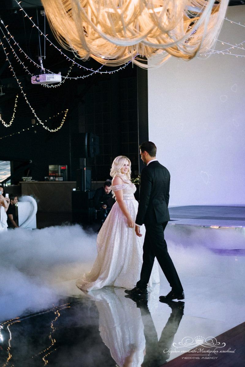 Танец Жениха и невесты роял Бич