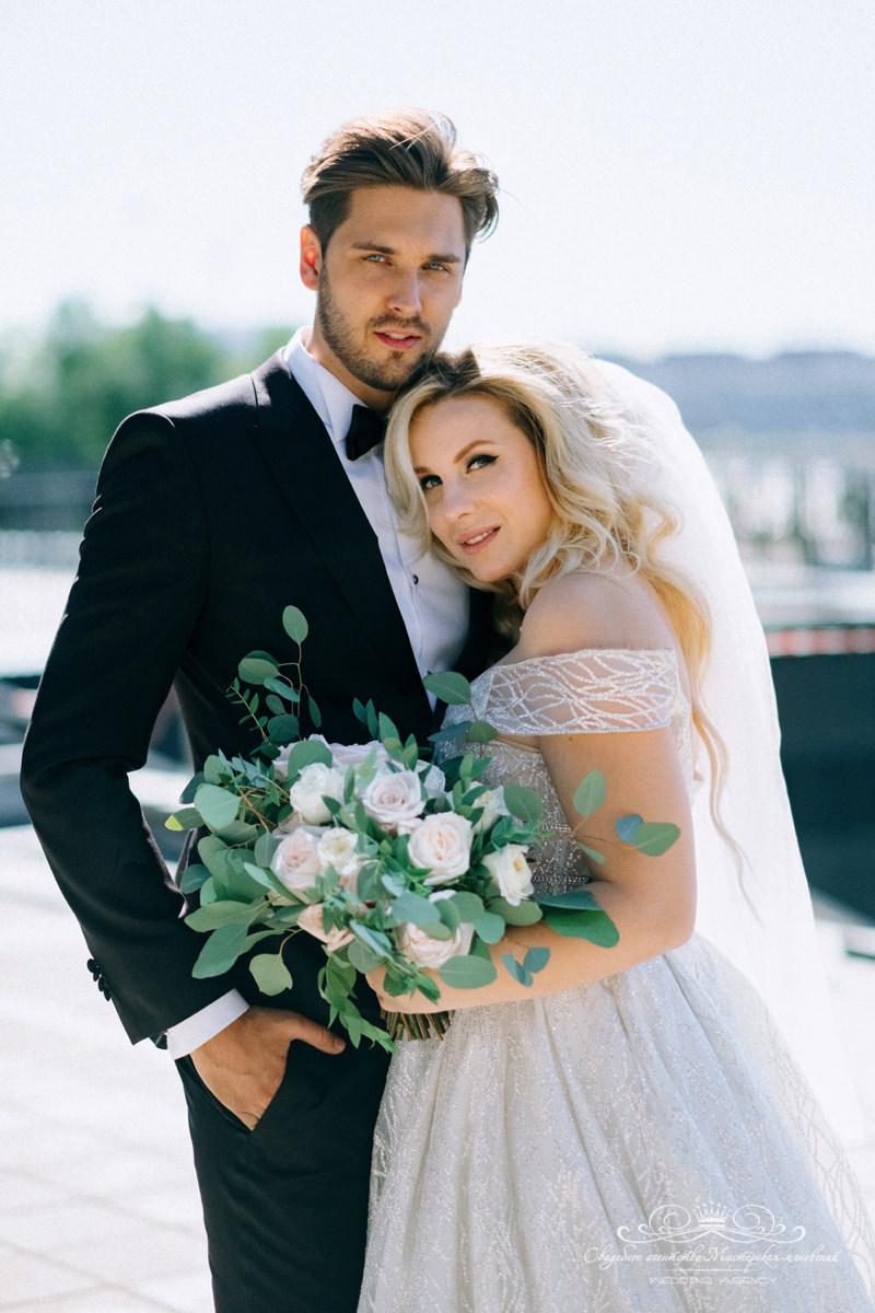 Продуманный образ жениха и невесты
