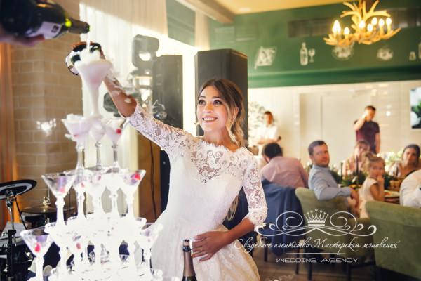 Начало свадьбы в ресторане Морешаль