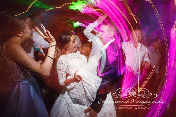 Танцы на свадьбе Морешаль